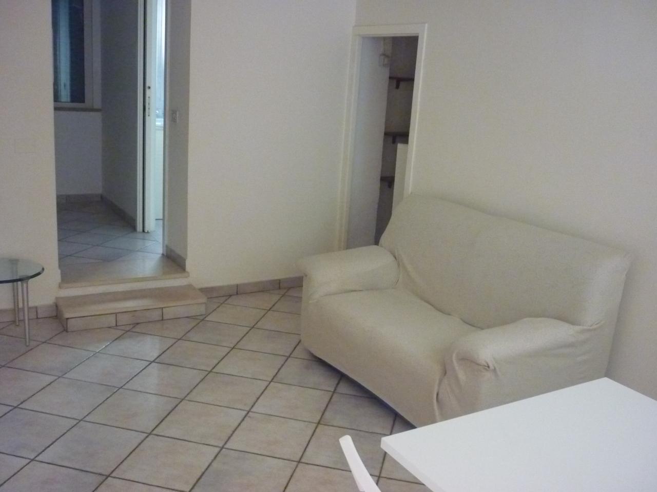 Appartamento in affitto a Jesi, 9999 locali, prezzo € 330 | Cambio Casa.it