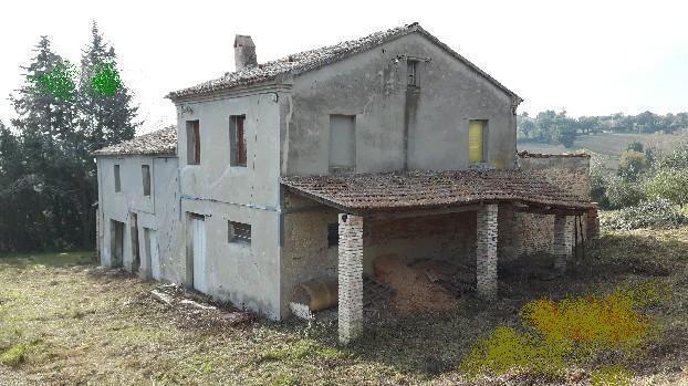 Rustico / Casale in vendita a Jesi, 9999 locali, prezzo € 180.000 | Cambio Casa.it