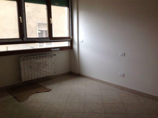 Bilocale Livorno Viale Ippolito Nievo 6