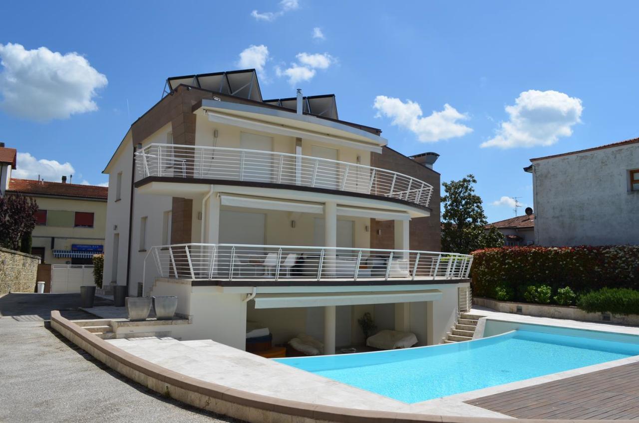 Villa in vendita a Castelfranco Piandiscò, 13 locali, prezzo € 1.500.000 | CambioCasa.it