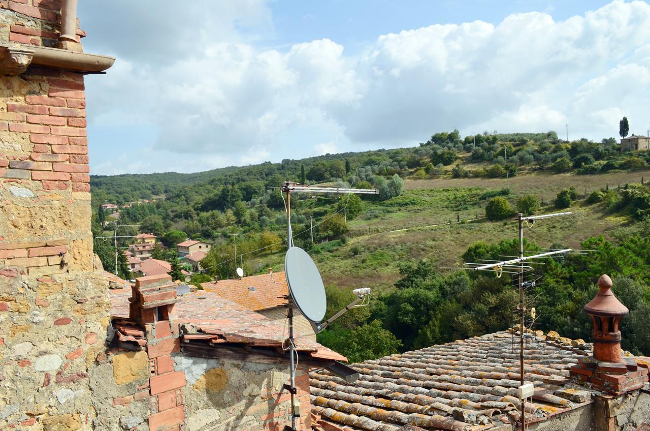 Appartamento in vendita a Trequanda, 9 locali, prezzo € 250.000 | Cambio Casa.it