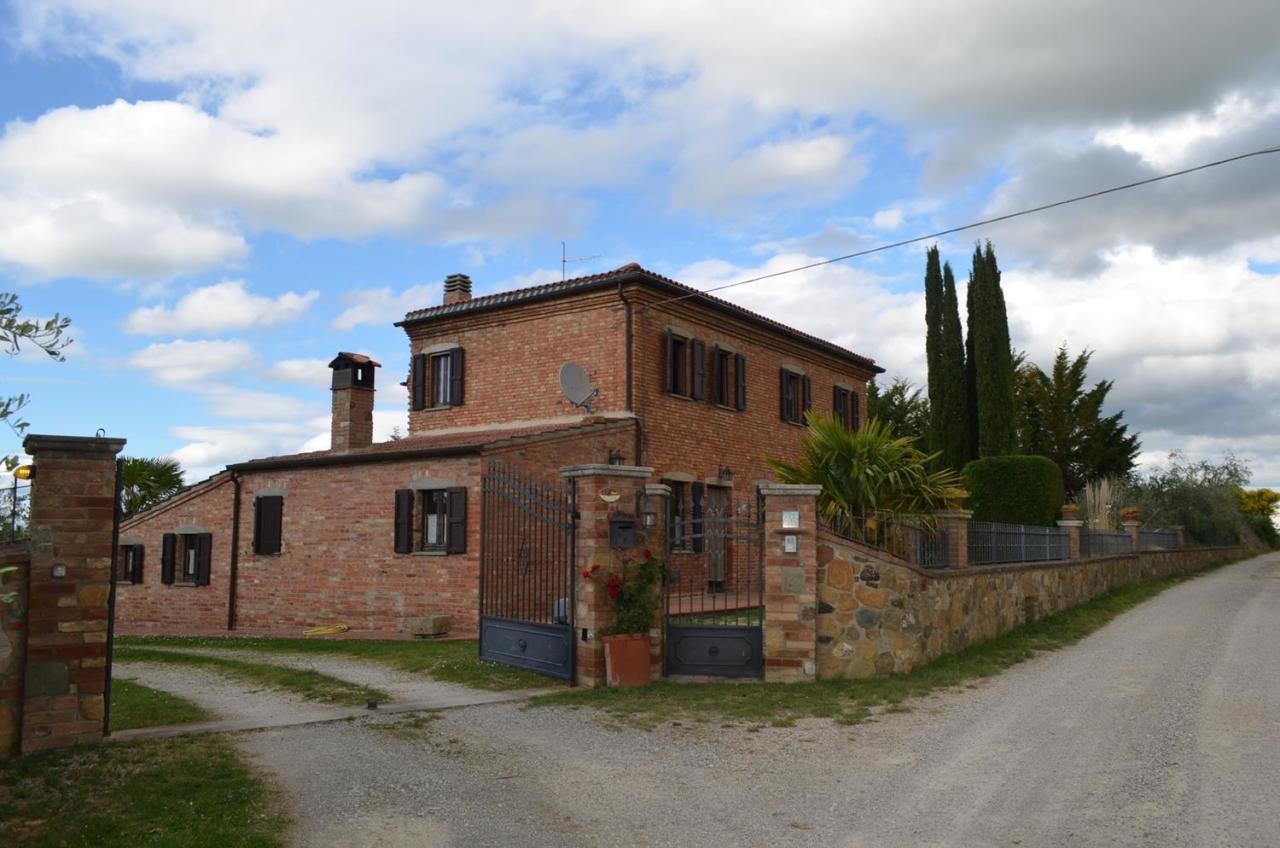 Rustico / Casale in vendita a Torrita di Siena, 8 locali, prezzo € 569.000 | CambioCasa.it