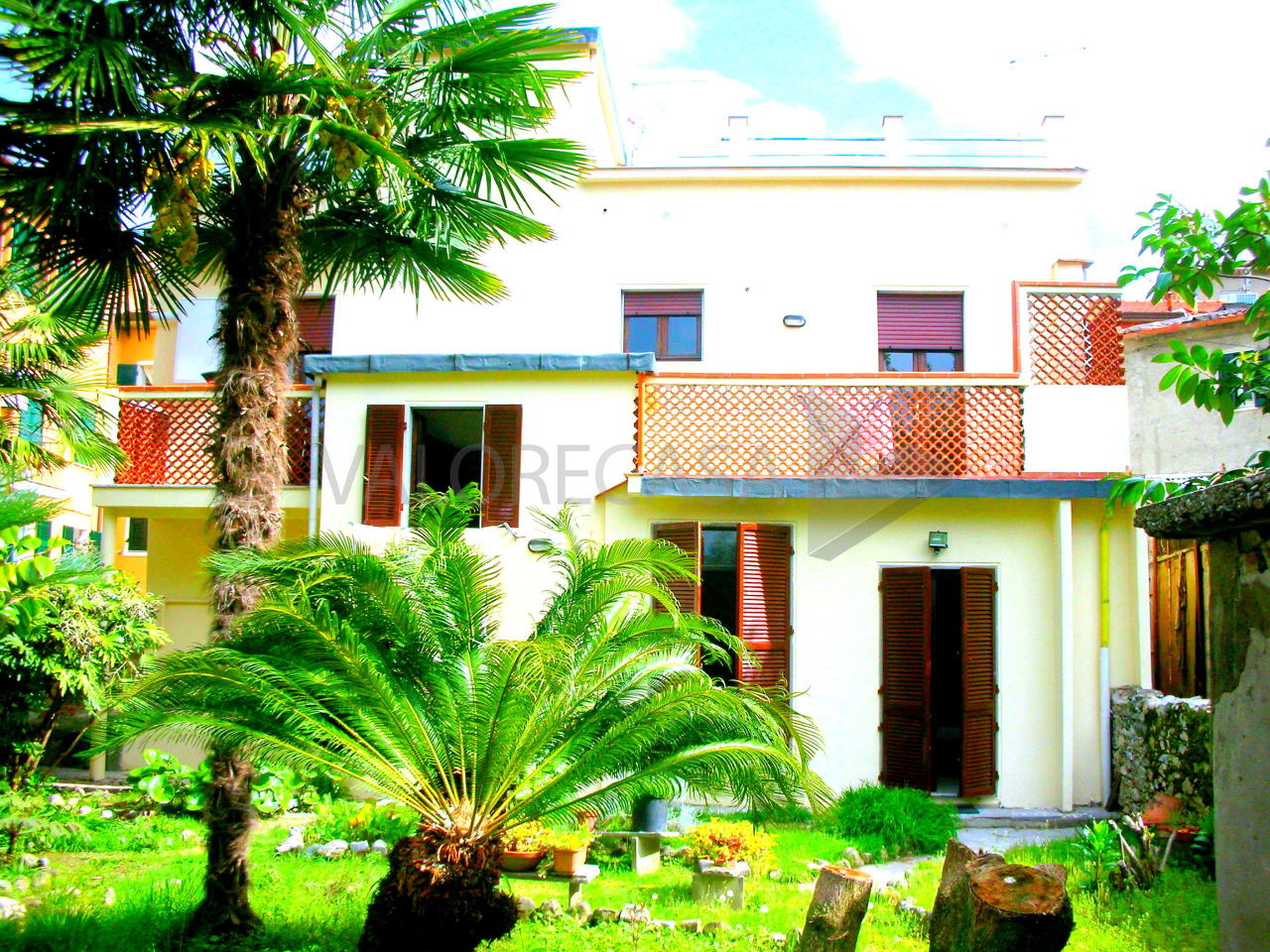 vendita appartamento carrara   80000 euro  3 locali  50 mq