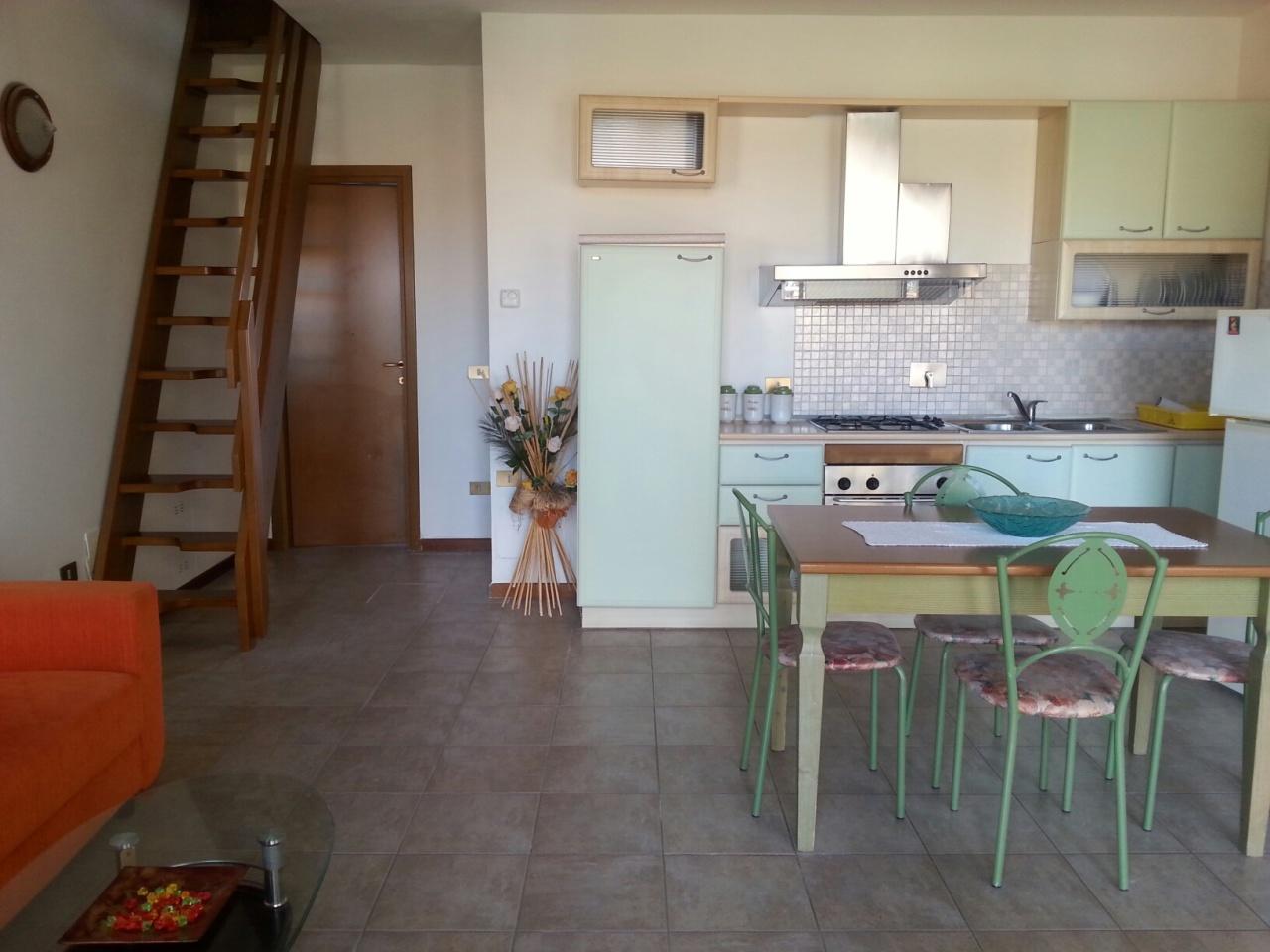 Appartamento in vendita a Calcinaia, 3 locali, prezzo € 115.000 | Cambio Casa.it