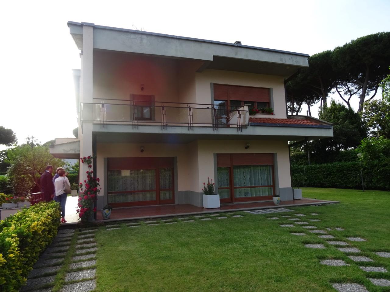 Soluzione Indipendente in vendita a Grottaferrata, 10 locali, prezzo € 990.000 | Cambio Casa.it