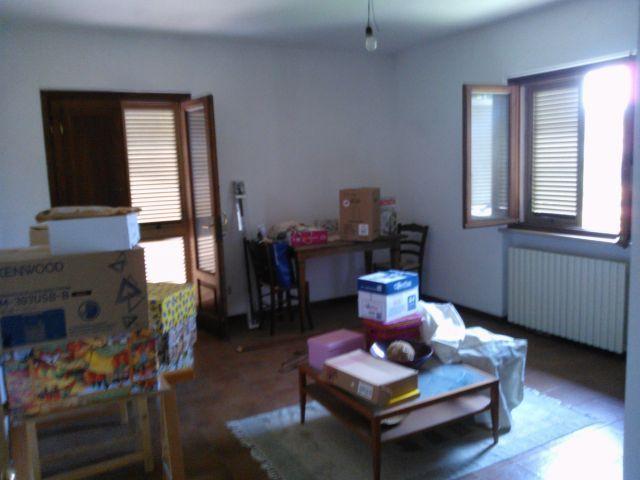 Villa in vendita a Lucca, 9 locali, prezzo € 450.000   Cambio Casa.it