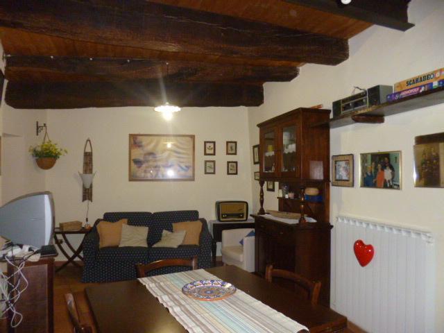 Appartamento in vendita a Belvedere Ostrense, 4 locali, prezzo € 80.000 | Cambio Casa.it
