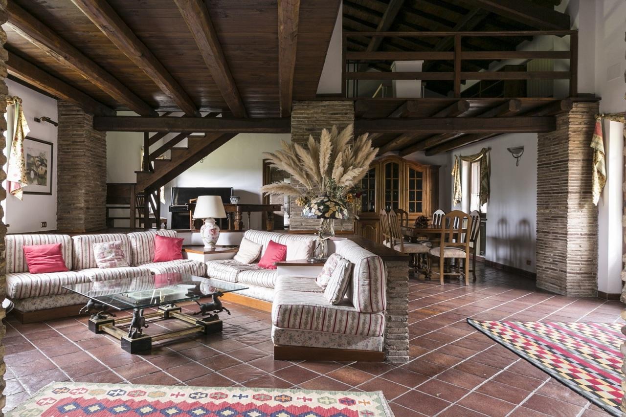 Villa in affitto a Roma, 15 locali, prezzo € 8.500   Cambio Casa.it