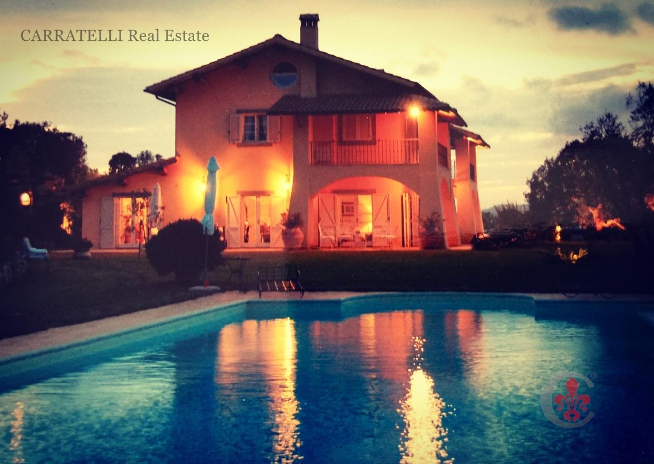Villa in Vendita a Montalto di Castro