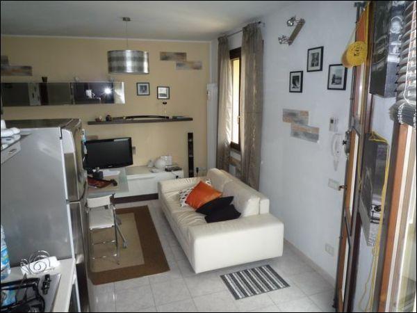 Appartamento in vendita a Cascina, 3 locali, prezzo € 100.000 | Cambio Casa.it
