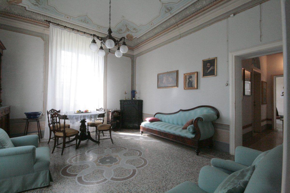 Villa in vendita a San Giuliano Terme, 9 locali, Trattative riservate | Cambio Casa.it
