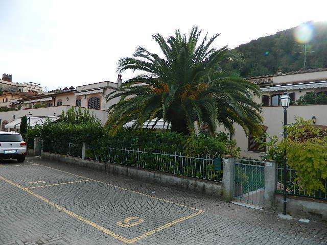 vendita appartamento ameglia   198000 euro  3 locali  72 mq