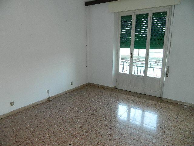 vendita appartamento sarzana   155000 euro  3 locali  65 mq