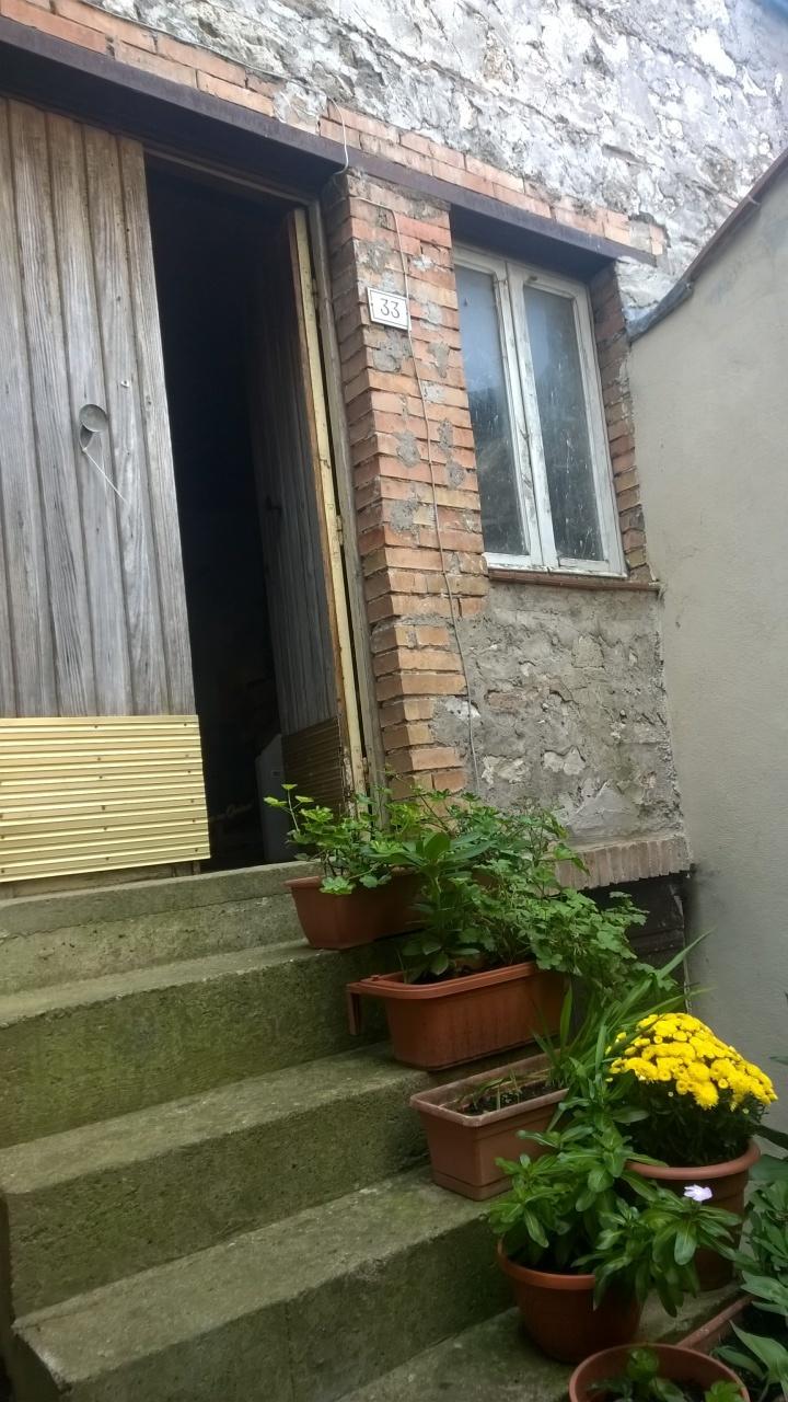 Bilocale Lugnano in Teverina Via Sasso Glorioso 11