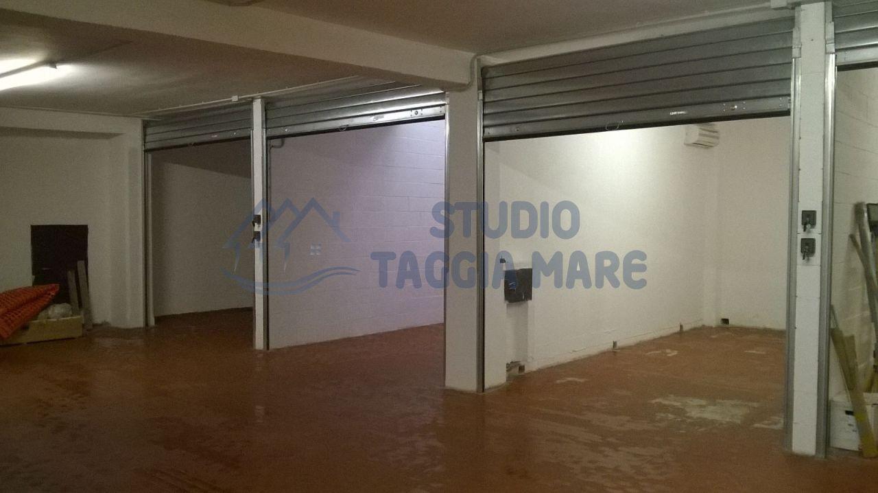 Box / Garage in vendita a Taggia, 1 locali, prezzo € 48.000 | CambioCasa.it
