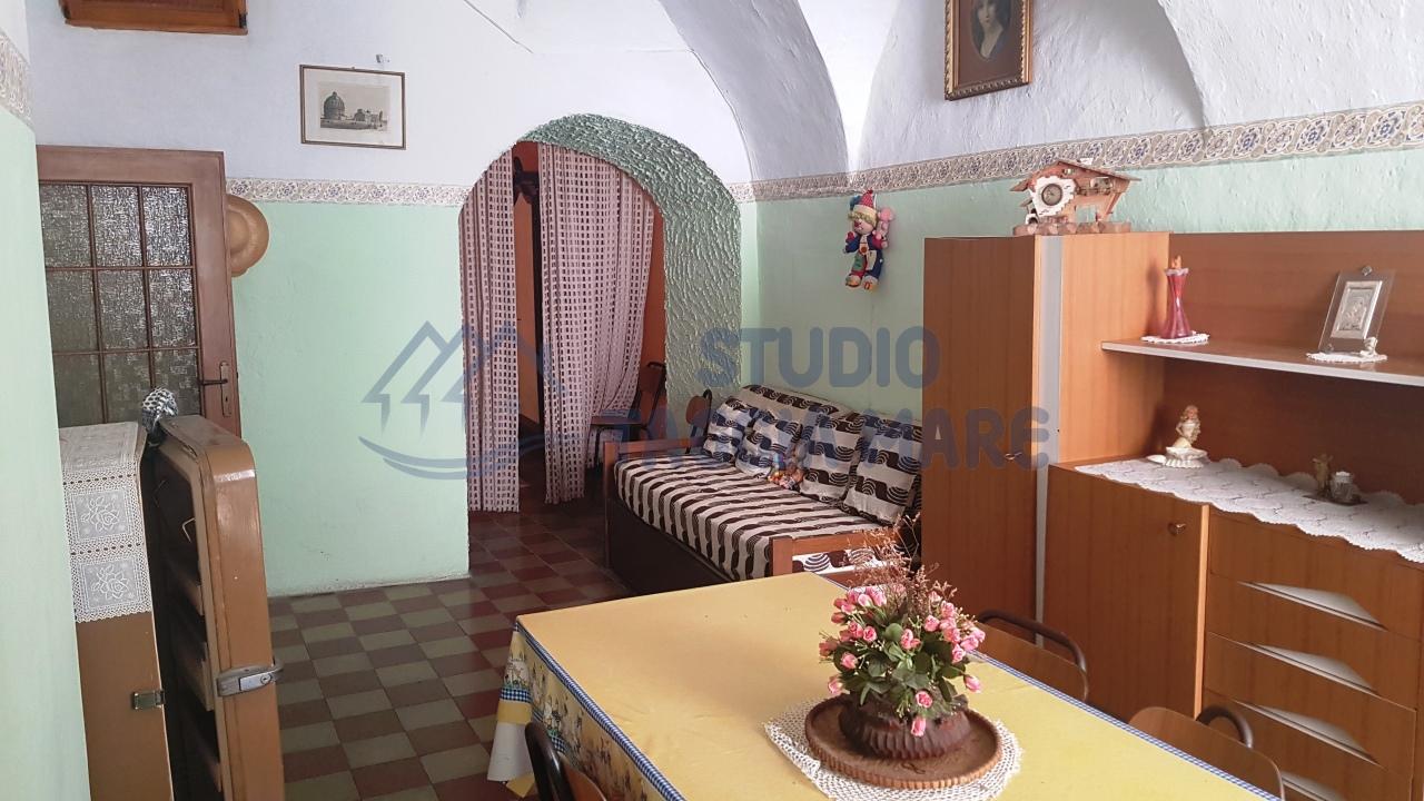 mansarda sottotetto soffitta solaio vendita taggia di metri quadrati 130 prezzo 129000 rif 15020