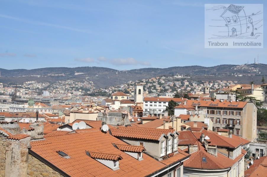 Bilocale Trieste Via Cereria 10 6