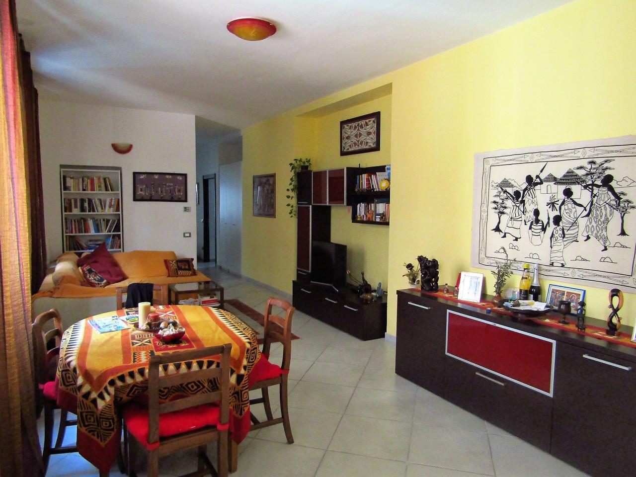 Appartamento in vendita a Livorno, 6 locali, prezzo € 195.000 | Cambio Casa.it