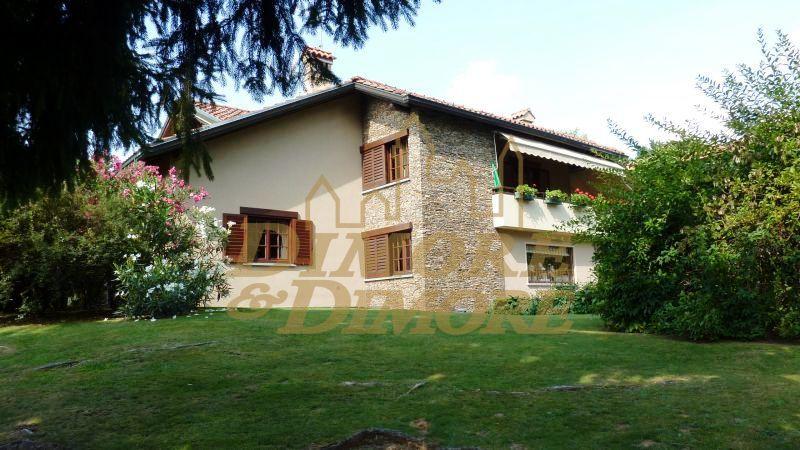 Villa in Vendita a Arizzano
