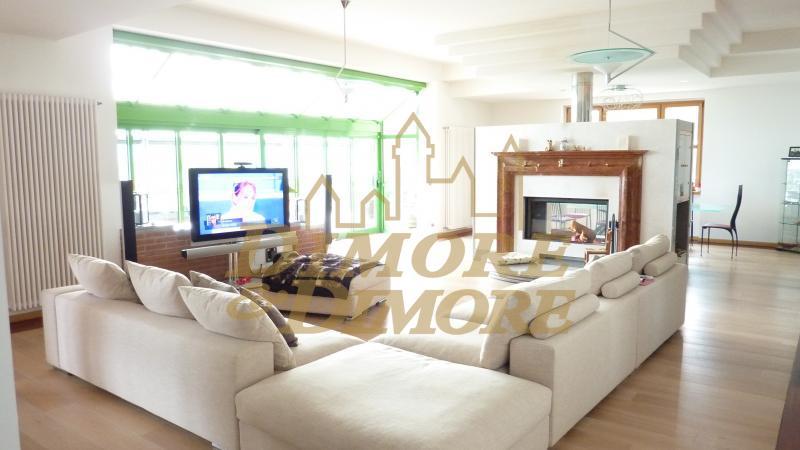 Villa in vendita a Luino, 9999 locali, Trattative riservate | CambioCasa.it