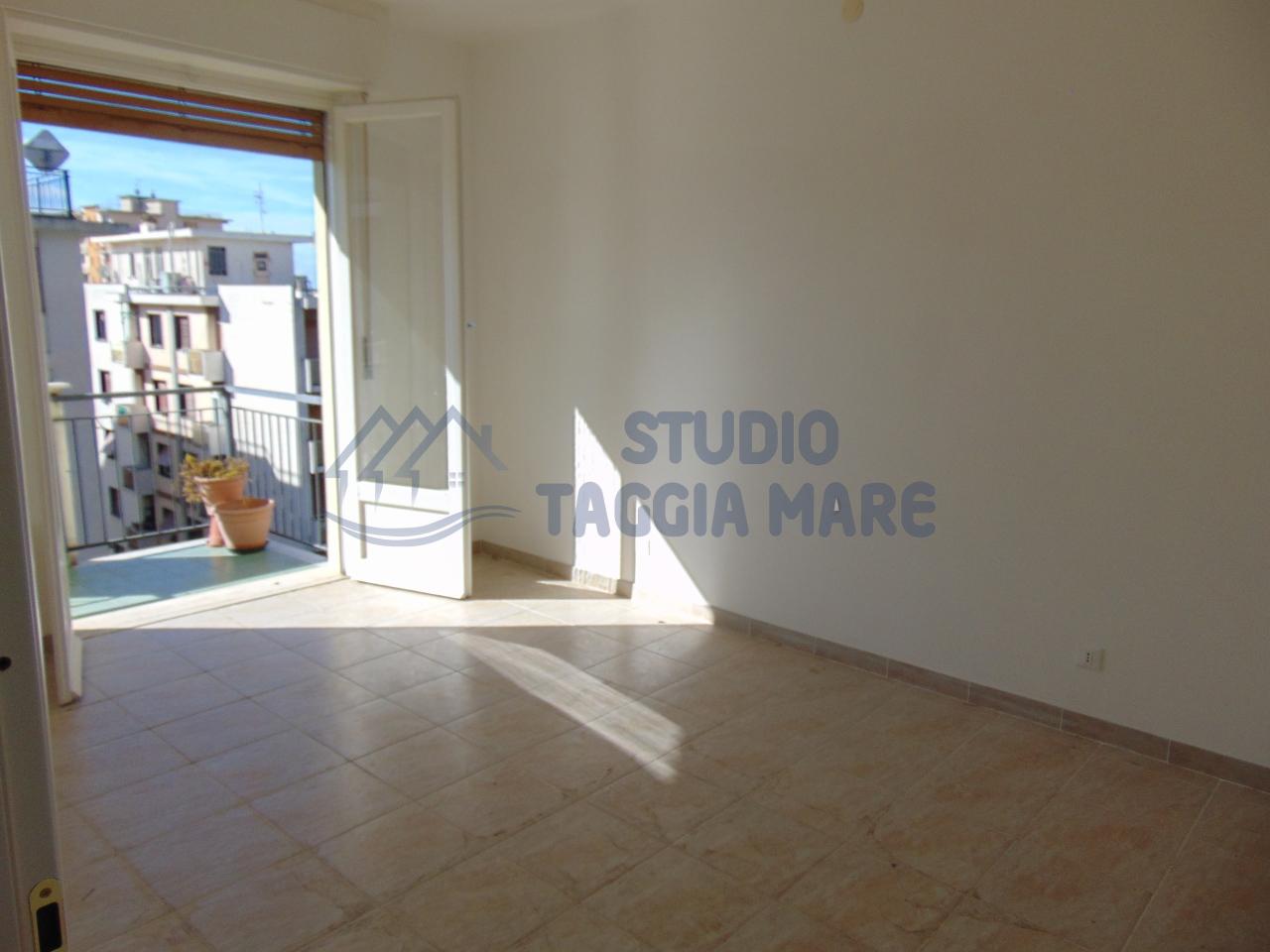 Bilocale Taggia Via Stazione 10