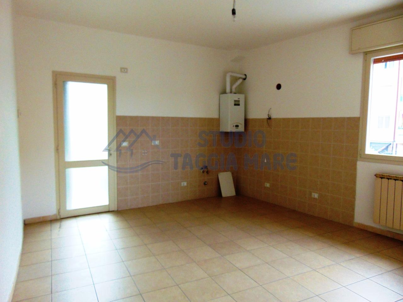 Appartamento in vendita a Taggia, 2 locali, prezzo € 127.000 | CambioCasa.it
