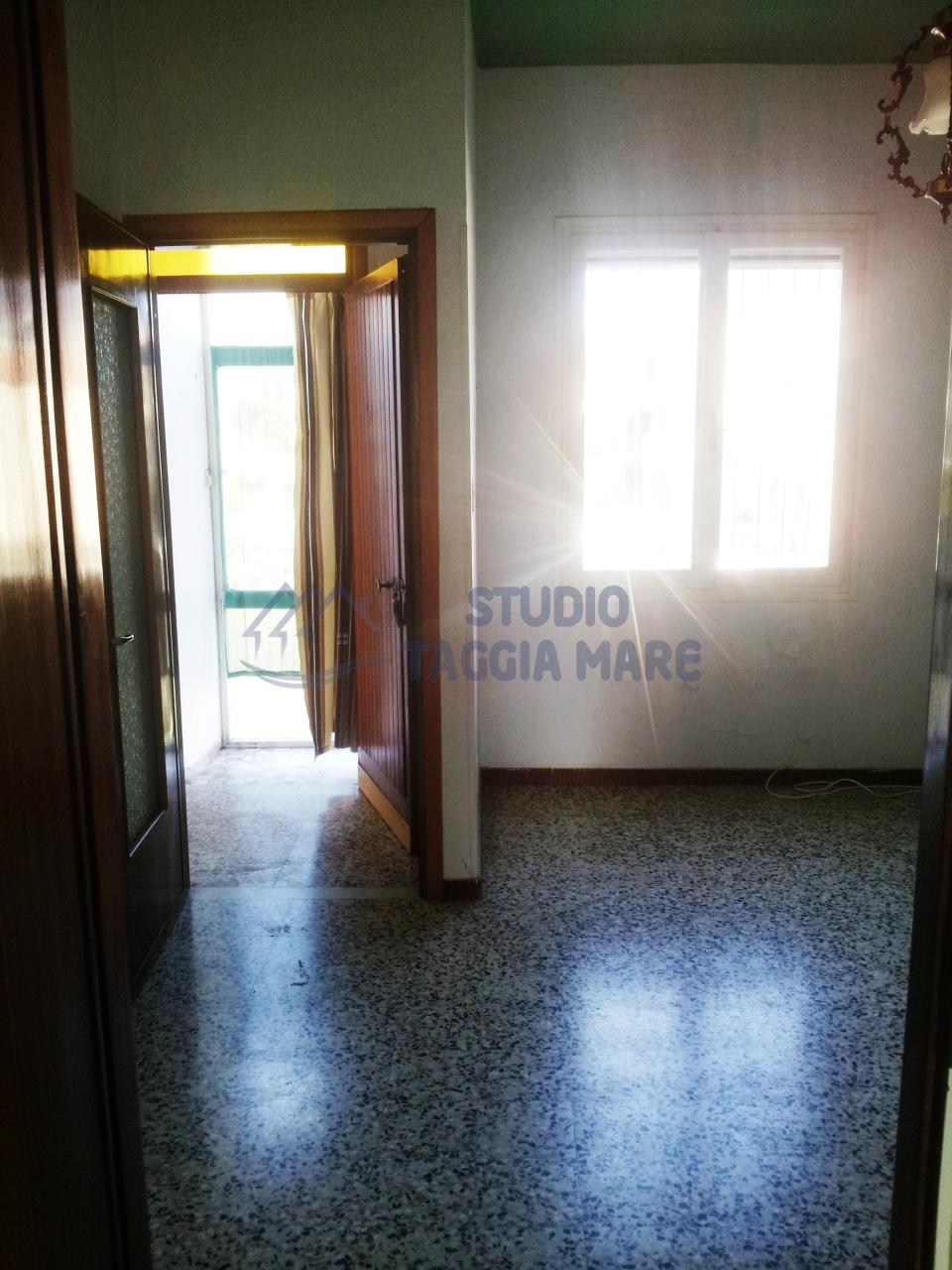Bilocale Taggia Via San Francesco 5