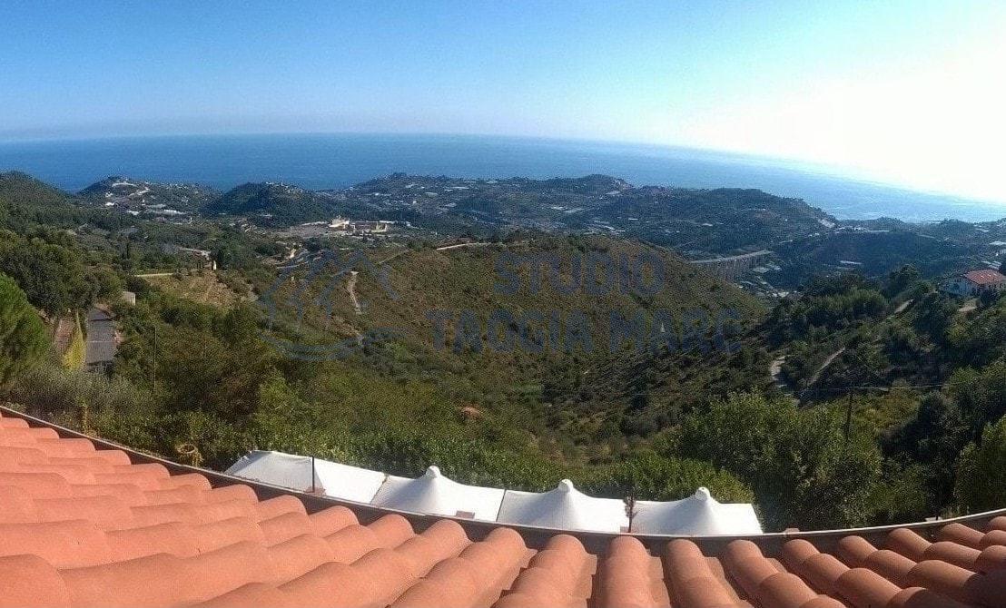Villa in vendita a Taggia, 10 locali, prezzo € 1.300.000 | Cambio Casa.it