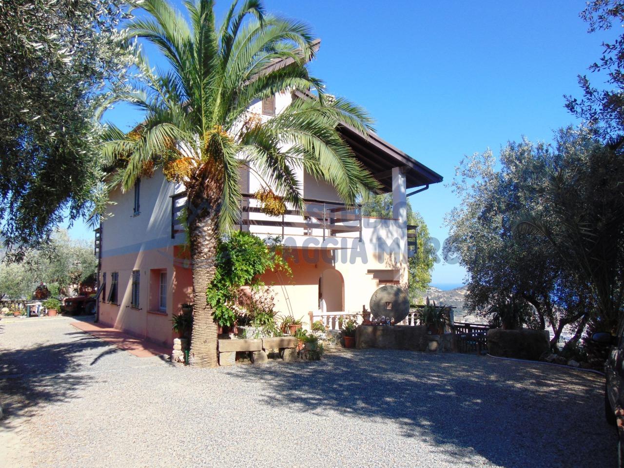 Soluzione Indipendente in vendita a Taggia, 15 locali, prezzo € 690.000 | Cambio Casa.it