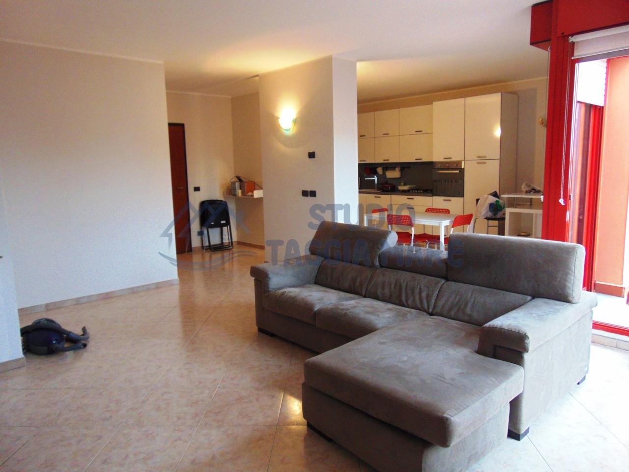 Appartamento in affitto a Taggia, 4 locali, prezzo € 850 | Cambio Casa.it
