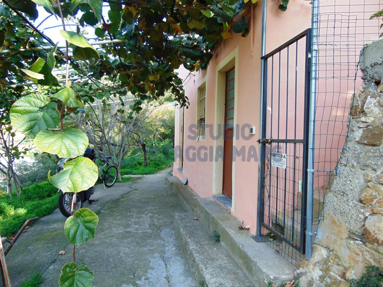 Soluzione Indipendente in vendita a Taggia, 3 locali, prezzo € 109.000 | Cambio Casa.it