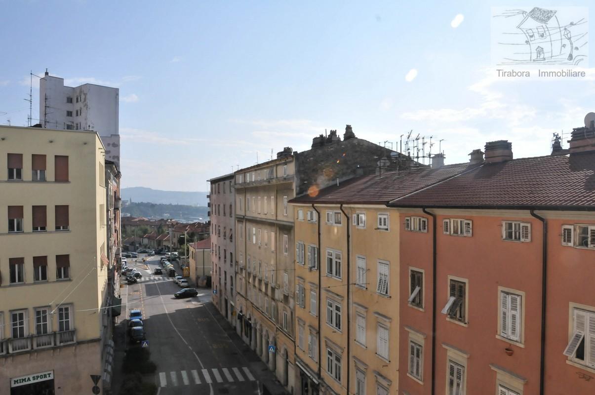 Appartamento in vendita a Trieste, 2 locali, prezzo € 72.725 | CambioCasa.it