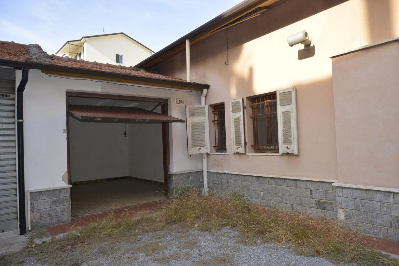Villa in vendita a Quiliano, 6 locali, prezzo € 178.000 | CambioCasa.it
