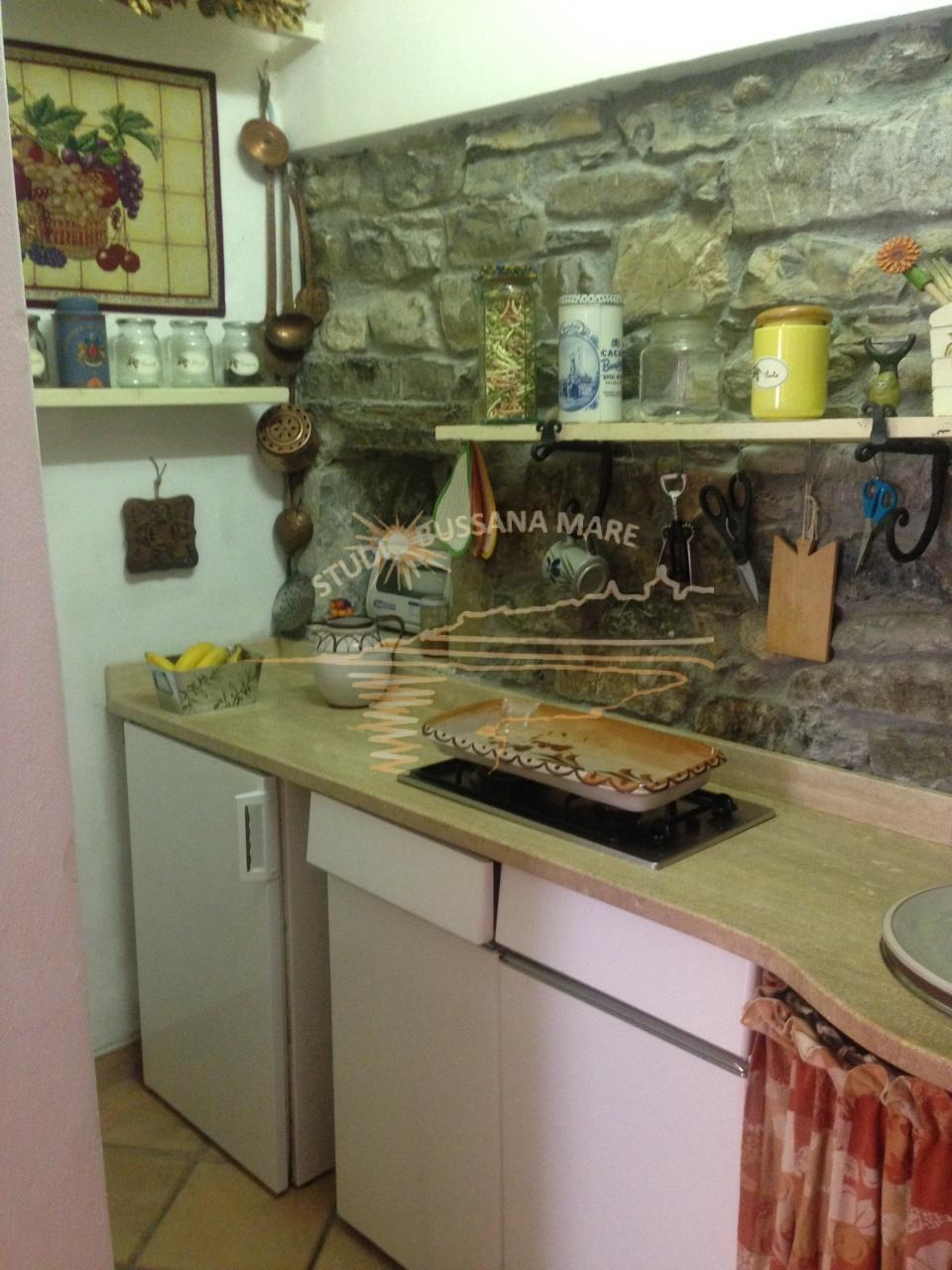 Bilocale Badalucco Via Vezzargo 4