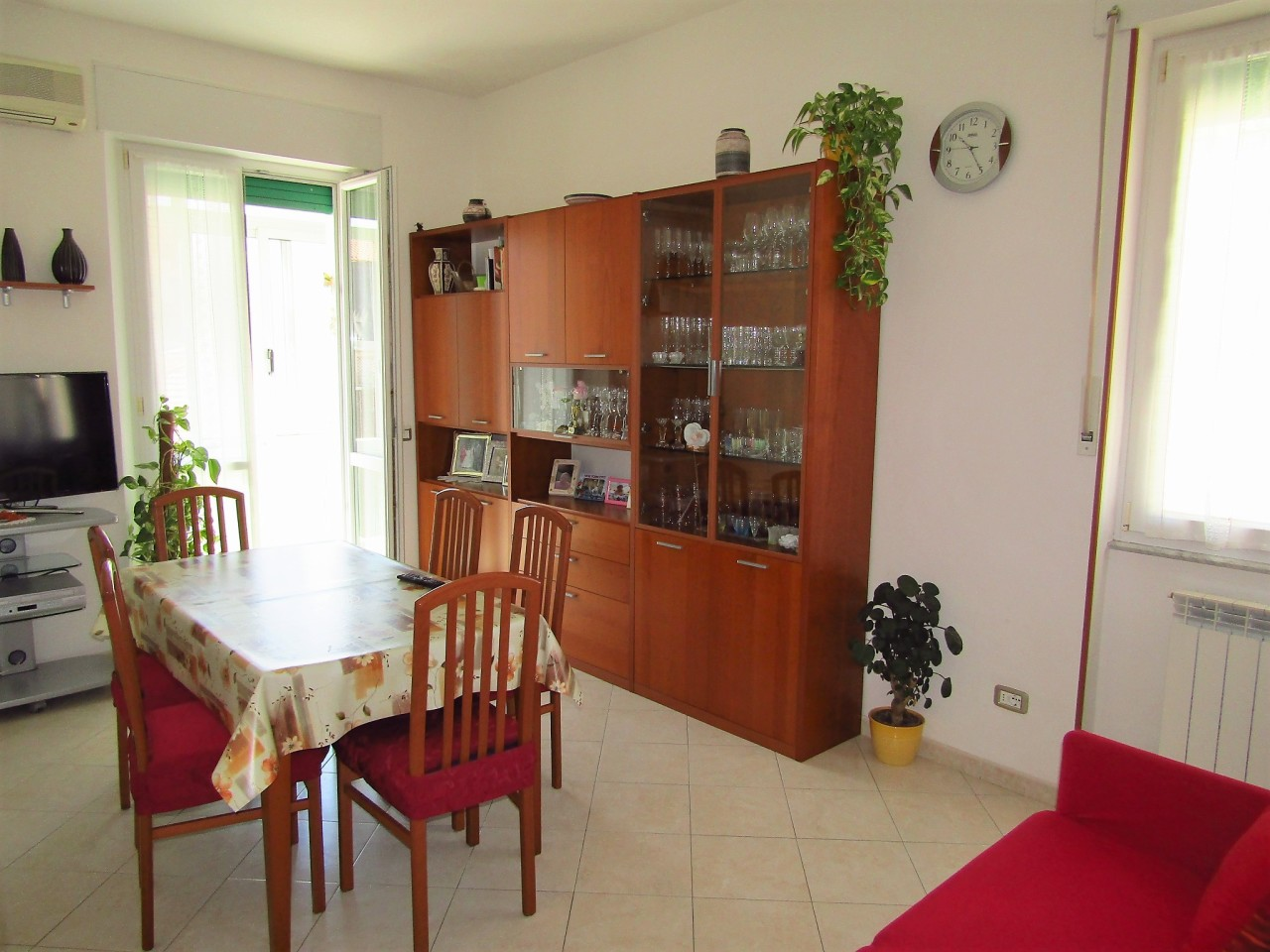 Appartamento in vendita a Livorno, 5 locali, prezzo € 105.000 | CambioCasa.it