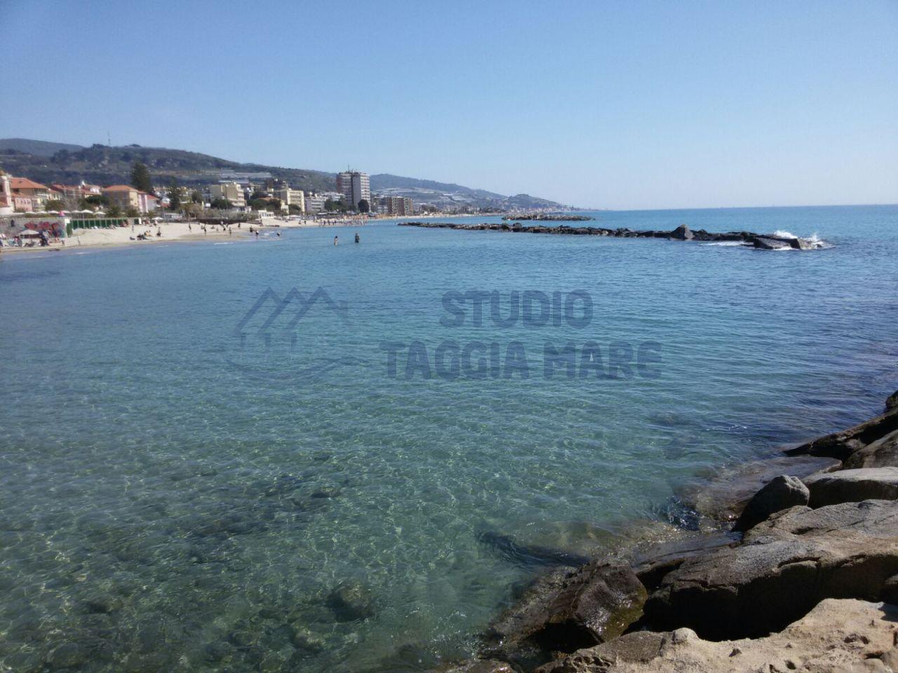 Appartamento in vendita a Taggia, 3 locali, prezzo € 260.000 | CambioCasa.it