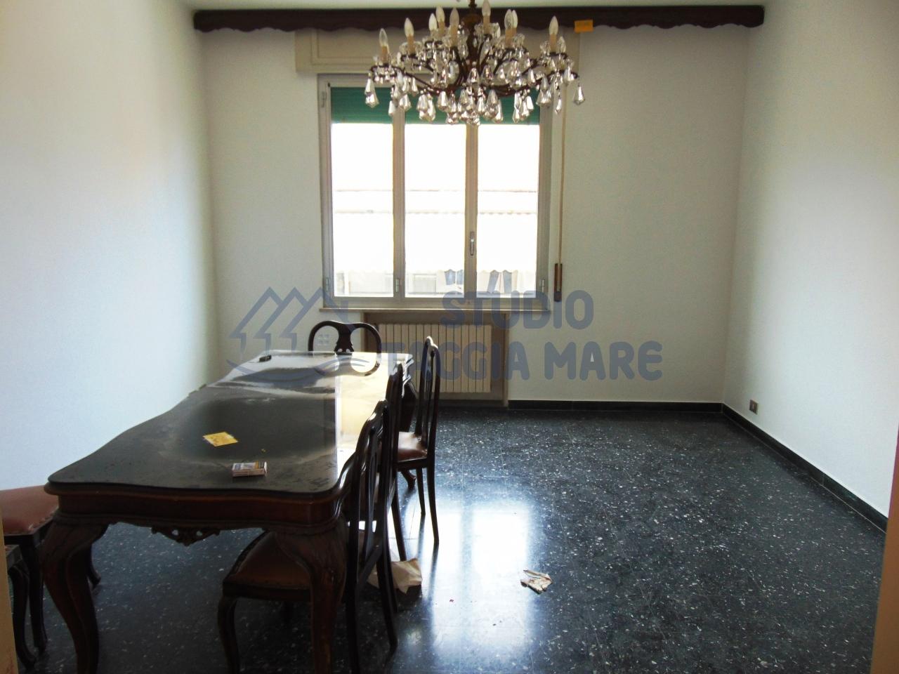 Appartamento in affitto a Taggia, 5 locali, prezzo € 680 | CambioCasa.it