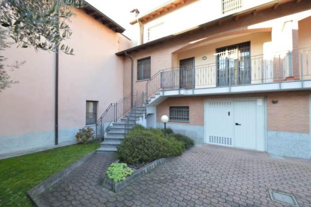 Vai alla scheda: Appartamento Vendita - Lacchiarella (MI) - Codice -QA052