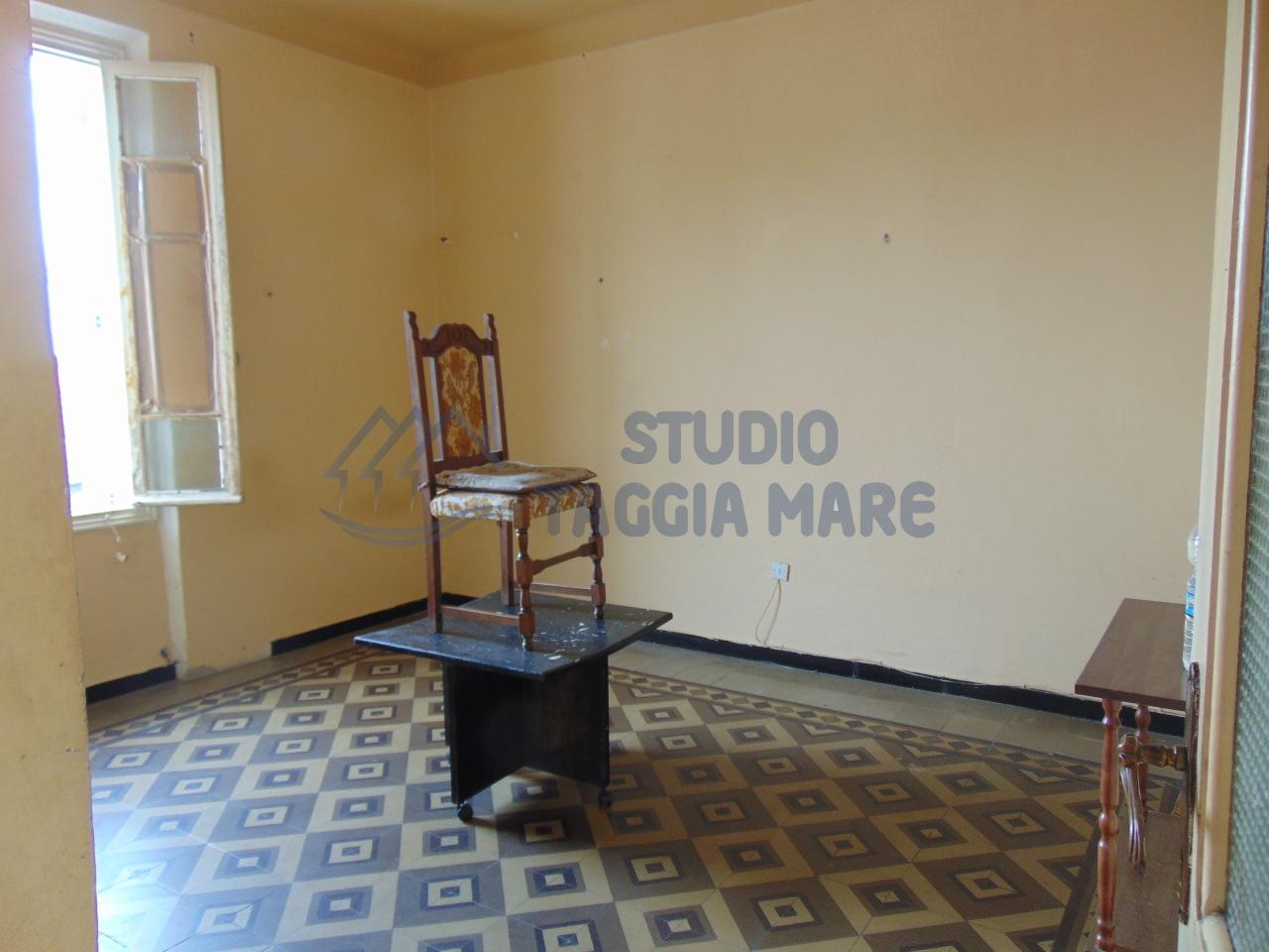 Appartamento in vendita a Pompeiana, 3 locali, prezzo € 67.000 | CambioCasa.it