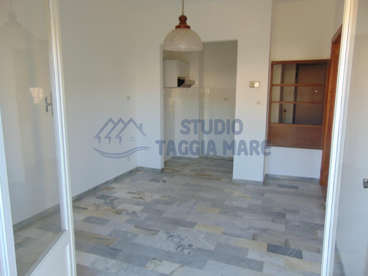 Bilocale Taggia Via Stazione 6