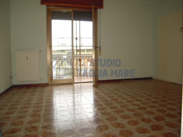 Appartamento in affitto a Riva Ligure, 4 locali, prezzo € 550 | Cambio Casa.it