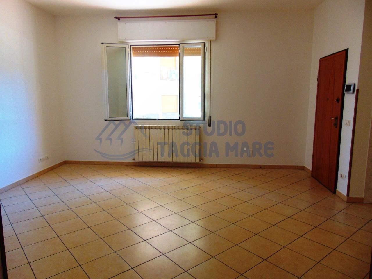 Appartamento in affitto a Taggia, 2 locali, prezzo € 460 | CambioCasa.it
