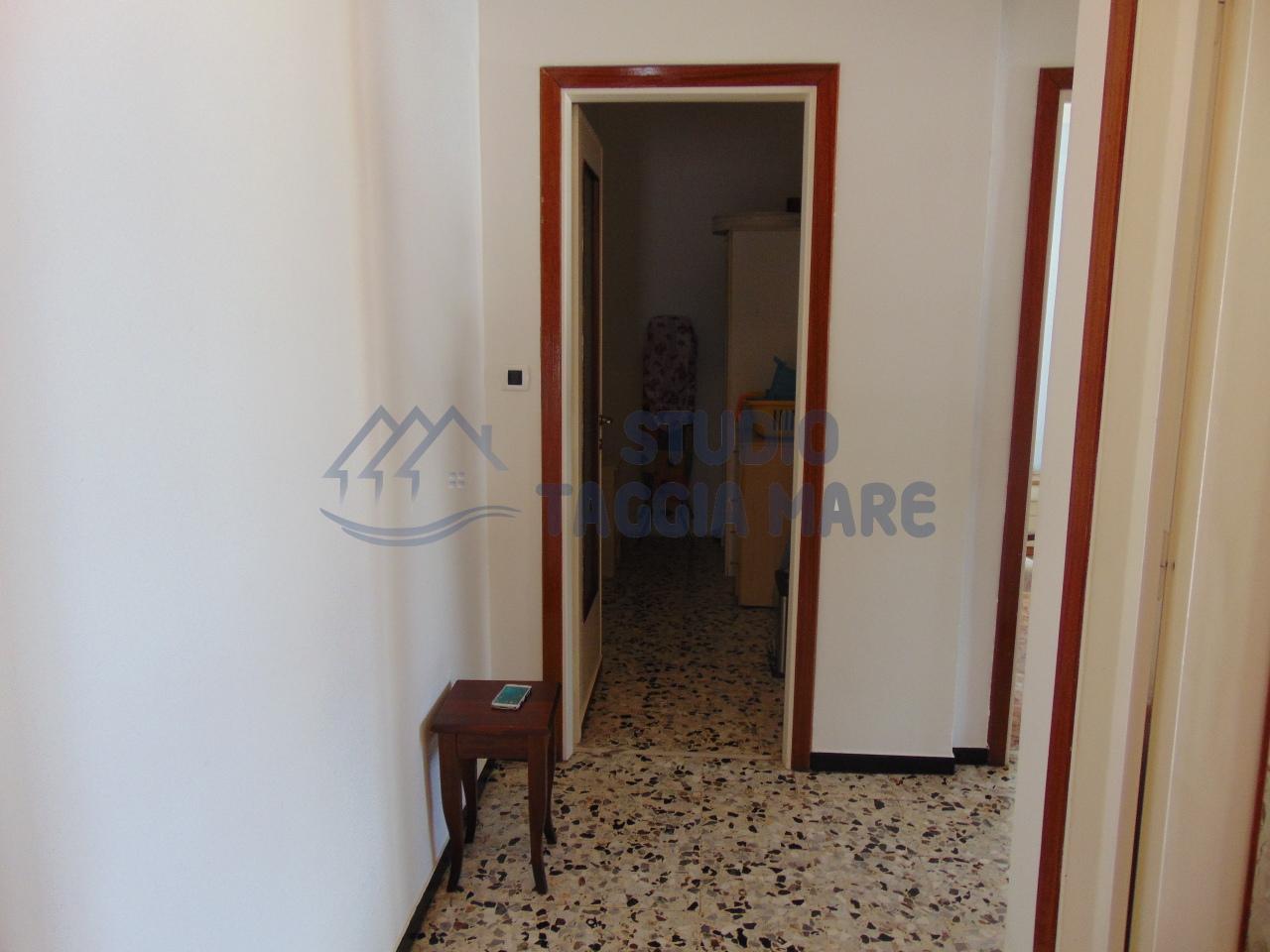 Bilocale Taggia Via Doria 7