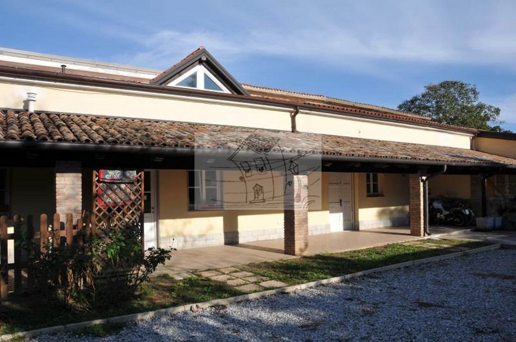 Magazzino in affitto a Trieste, 1 locali, prezzo € 550 | CambioCasa.it