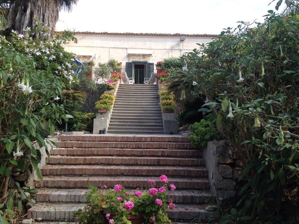 Villa RAGUSA vendita  Marina Di Ragusa  Giuseppe Iannizzotto