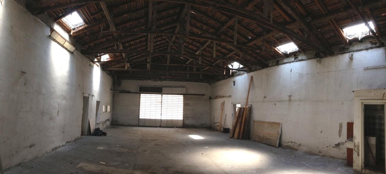 Magazzino in vendita a Parma, 3 locali, prezzo € 350.000 | CambioCasa.it