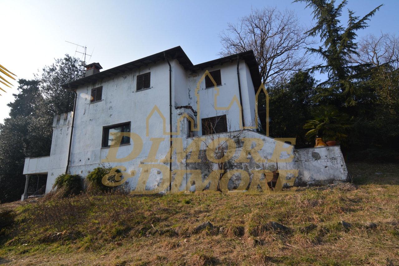 Villa in vendita a Ghiffa, 9 locali, Trattative riservate | CambioCasa.it
