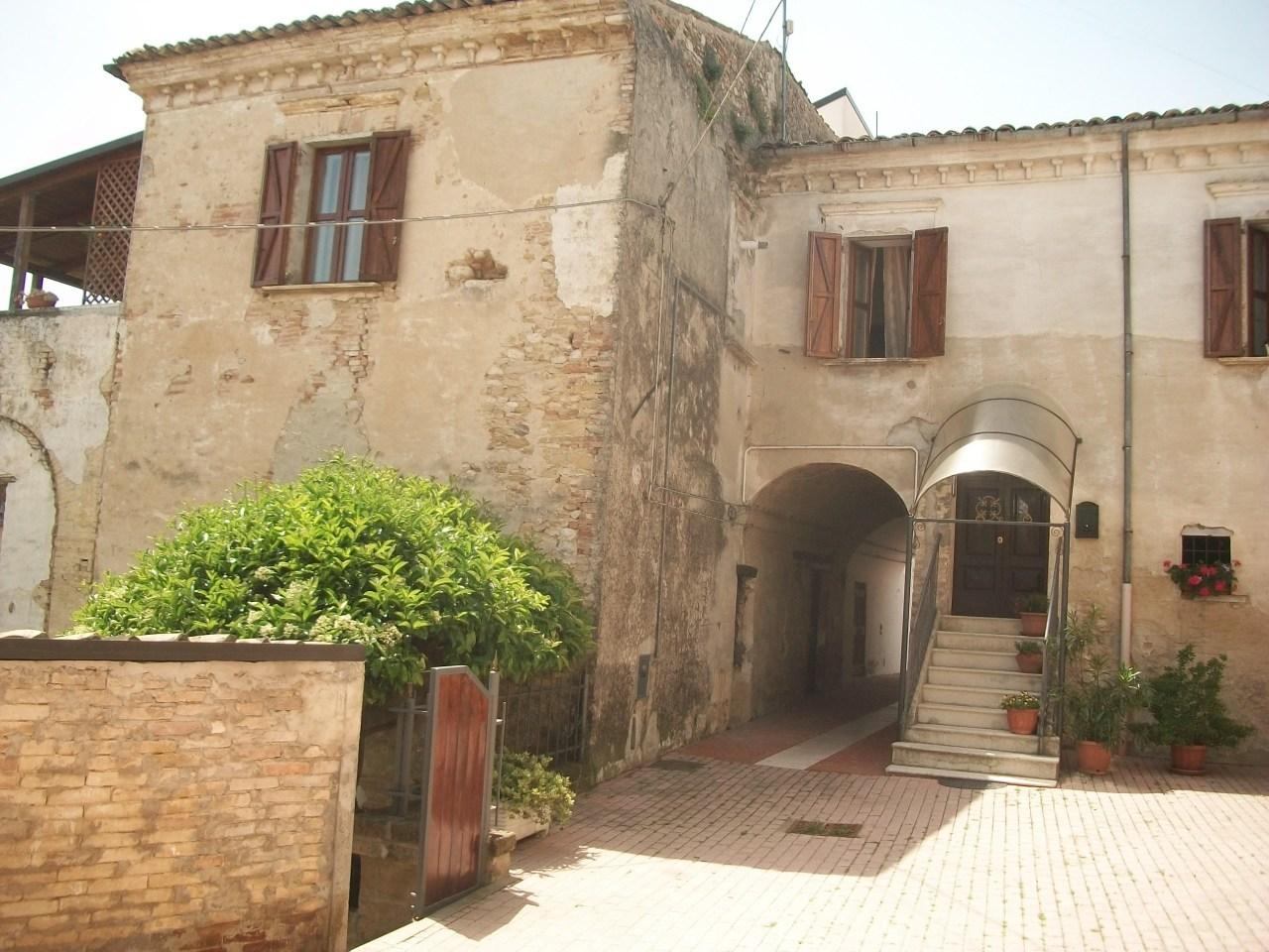 Casa indipendente in vendita a Mozzagrogna (CH)