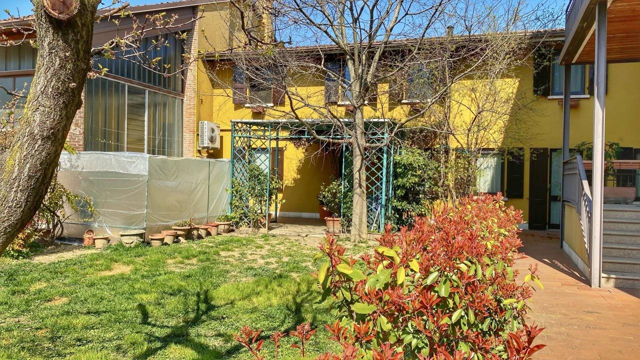Casa semi-indipendente in vendita a San Zeno Naviglio (BS)