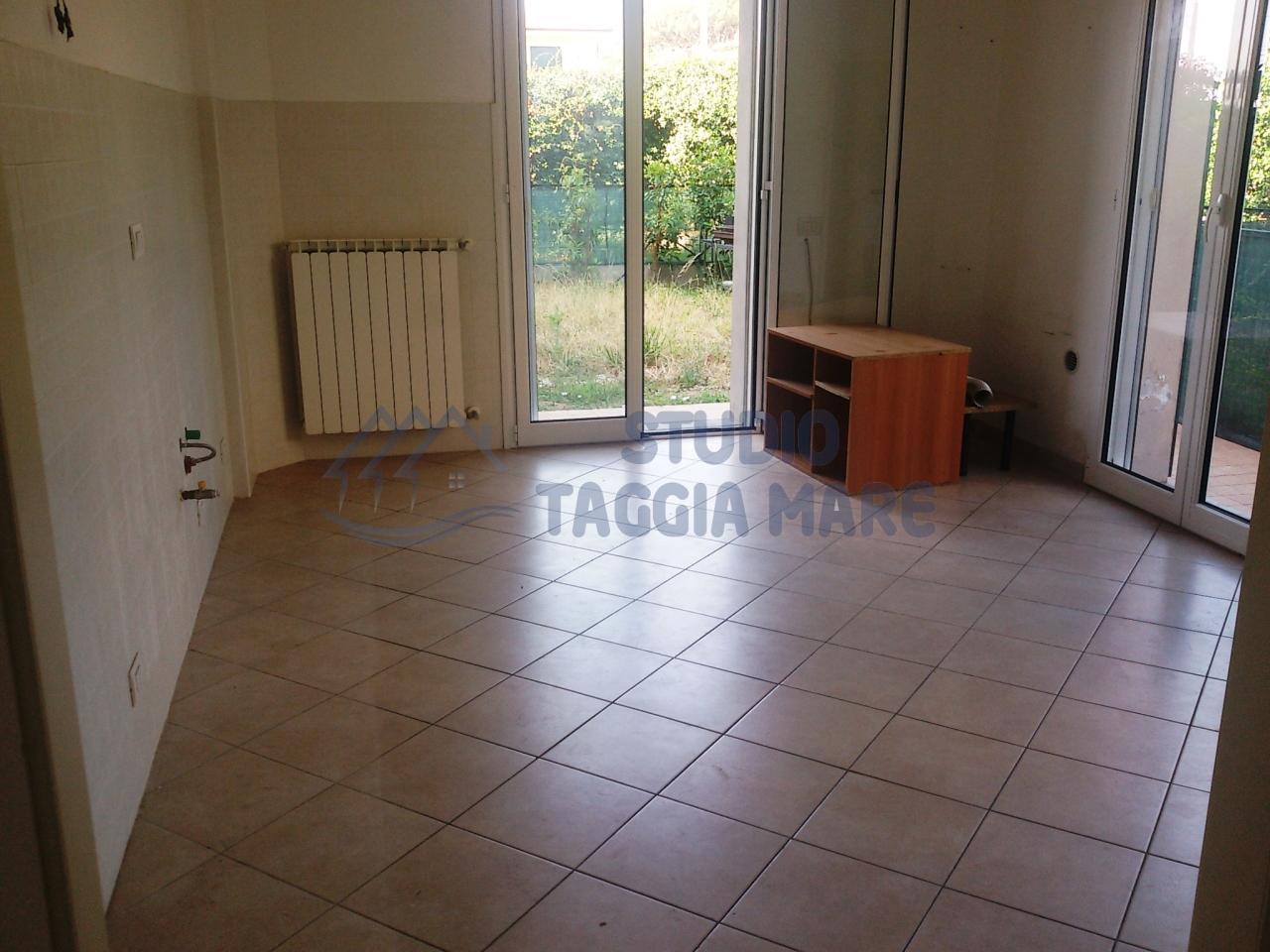 Bilocale Taggia Via San Francesco 453 4